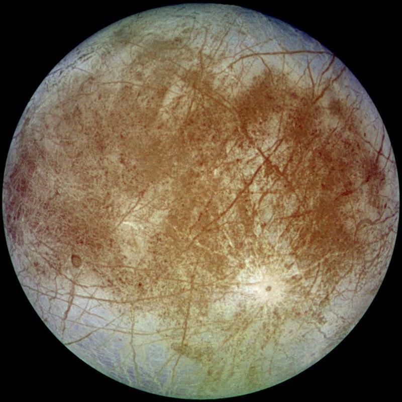 Imagem da lua Europa em cores próximas as reais. Imagem capturada pelo orbitador Galileo em sua segunda órbita em torno de Júpiter.