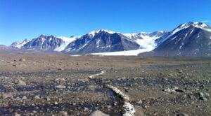 Imagem da Antártica como comparação com Marte.